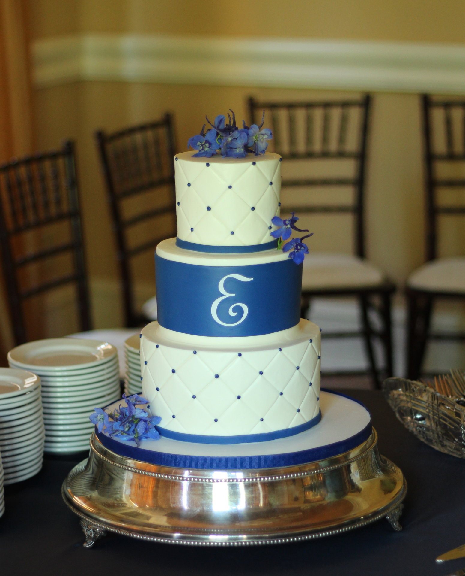wedding cakes royal blue and white royal blue wedding cake ambrosia cake creations 25399